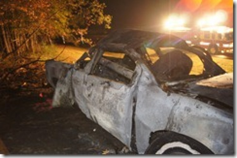 truck leaves road, crashes and burns-one dead-VIDEO POSTED