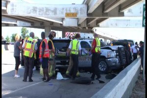 HARRIS COUNTY DEPUTY INJURED IN ACCIDENT ON NORTH FREEWAY AND FM