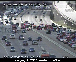 MAJOR ACCIDENT SHUTS DOWN PART OF I-45