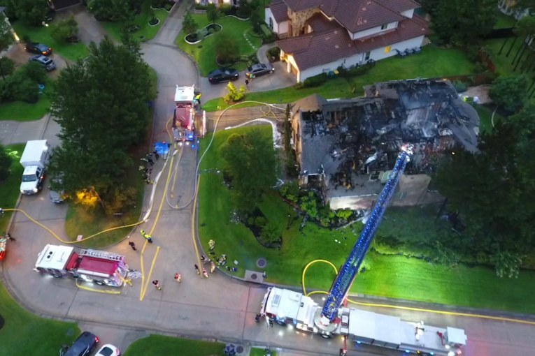 LIGHTNING SPARKS WOODLANDS HOUSE FIRE