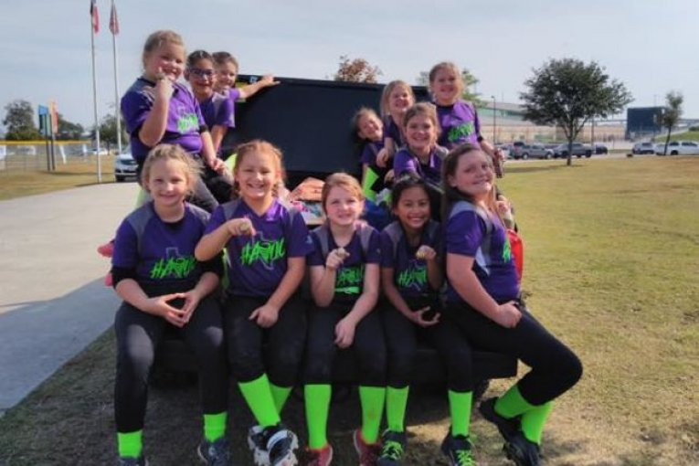 8U TEXAS HAVOC SOFTBALL TEAM HOST TOURNAMENT WHERE ENTRY FEE IS A CANNED FOOD ITEM