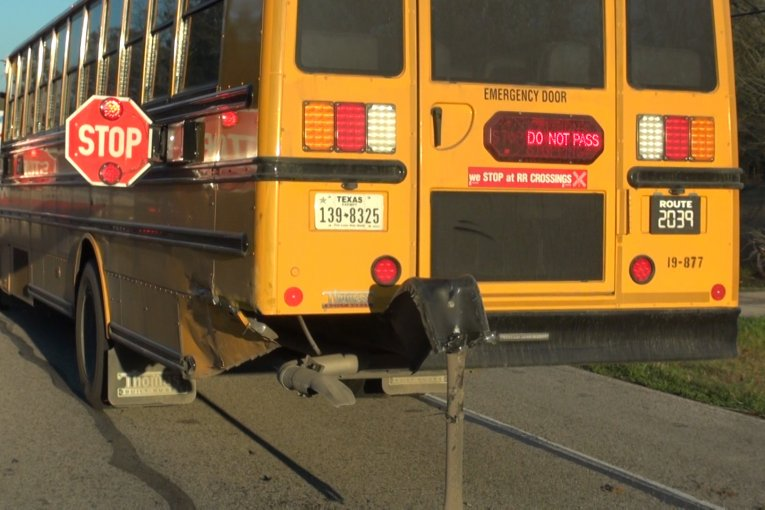 NO STUDENTS INJURED IN EARLY MORNING BUS CRASH