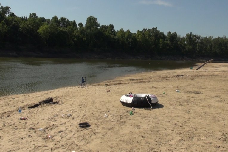 TEENS DROWN ON TRINITY RIVER WHILE ATTEMPTING TO SAVE A CHILD