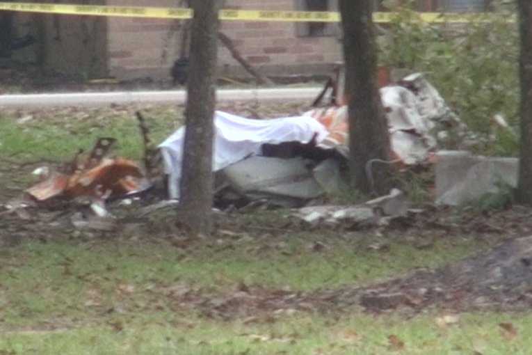 TWO DIE IN NEW CANEY PLANE CRASH