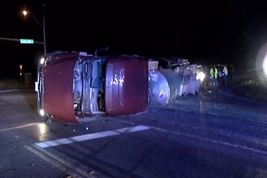 18 WHEELER ROLLOVER CLOSES PART OF SH 105 EAST