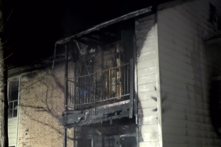 Incroyable Still003 022216 HOLLY CREEK 2 ALARM APT FIRE.00_01_04_06.