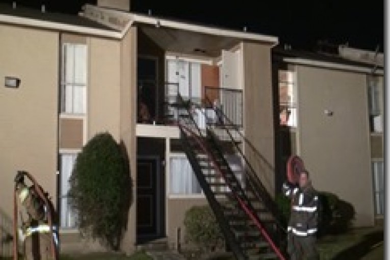FIREFIGHTERS MAKE QUICK STOP ON PASADENA APARTMENT FIRE