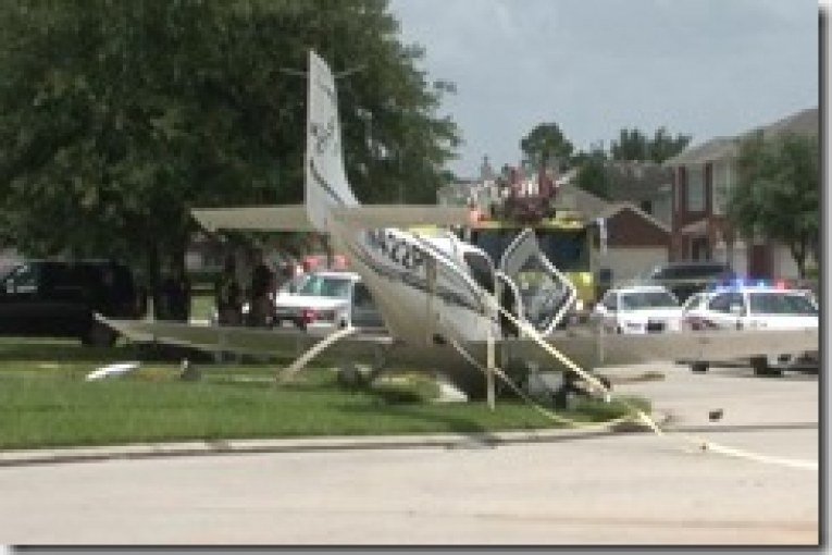 PLANE CRASH LANDS IN NORTH HOUSTON