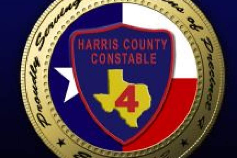 CONSTABLES IN FOOT PURSUIT OF TWO ROBBERS ON ALDINE WESTFIELD