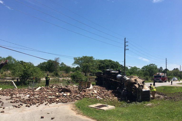 TRUCK DRIVER KILLED IN TOMBALL CRASH