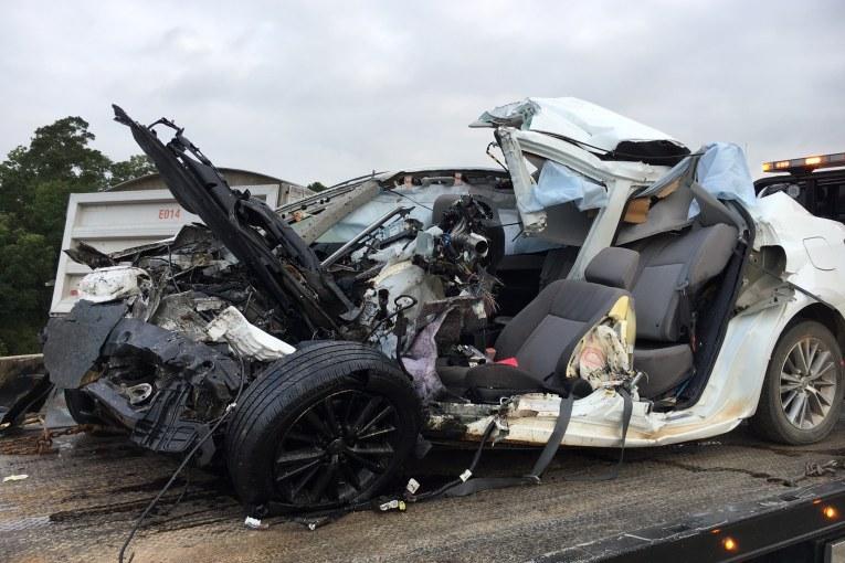 FATAL CRASH CLOSES SH 146