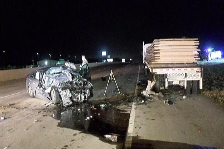 BREAKING NEWS-FATAL CRASH CLOSES I-45