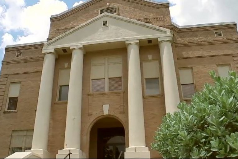 San Jacinto Co. judge indicted in alleged break-in of county clerk's office