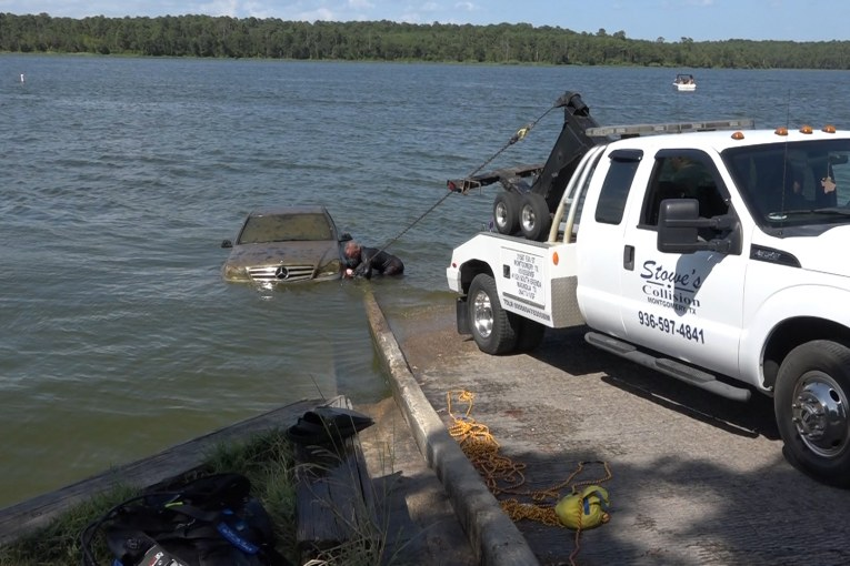 MERCEDES BENZ RECOVERED FROM THE DEPTHS OF LAKE CONROE