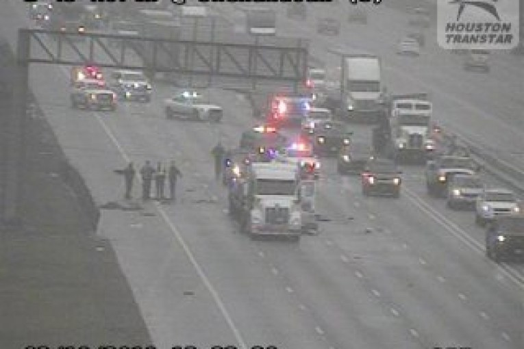 I-45 SOUTHBOUND AT 242 LANES CLOSED