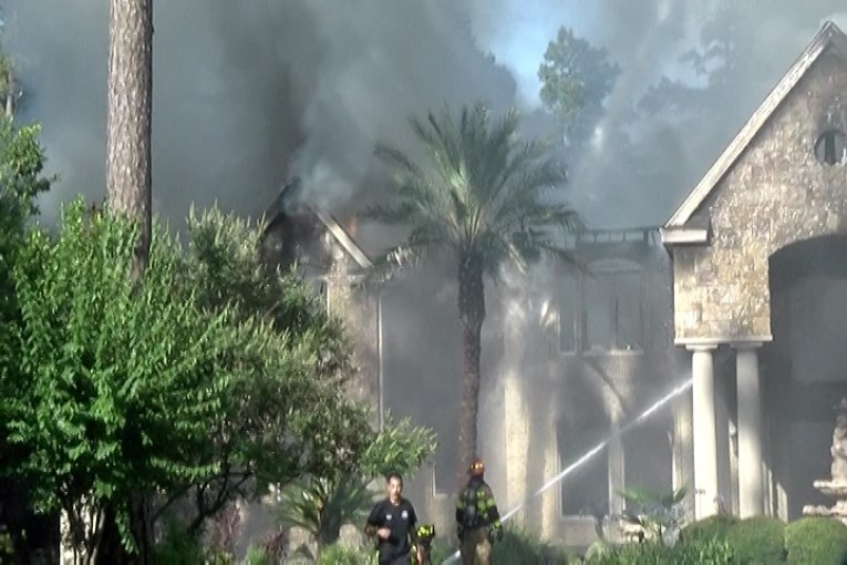7000 SQUARE FOOT HOME GOES UP IN FLAMES