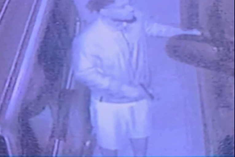 HELP PRECINCT 4 CONSTABLES IDENTIFY BURGLARY SUSPECT CAUGHT ON VIDEO IN THE CRANBROOK SUBDIVISION!