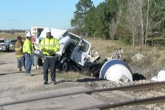 SECEND AMTRAK CRASH AS SAME CROSSING IN LESS THAN 4 MONTHS