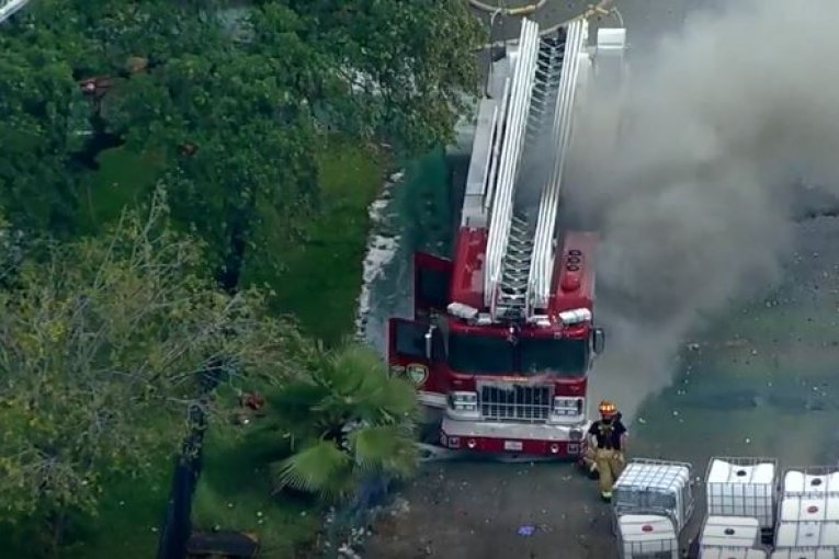 HFD LOSES FIRE TRUCK TO 3 ALARM FIRE